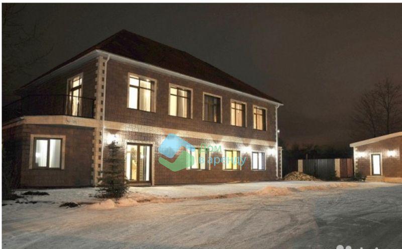 Арендовать дорогой коттедж в Санкт-Петербурге